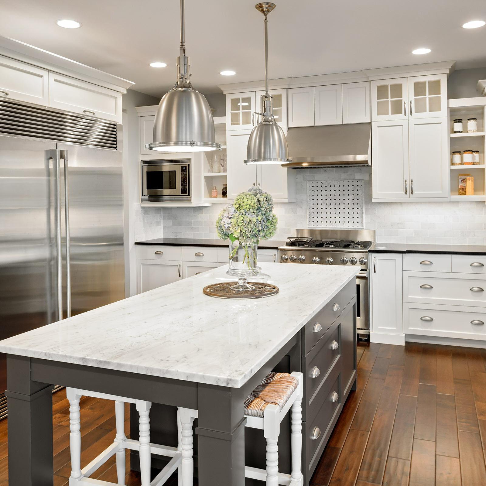 Wood looks kitchen | Great Lakes Carpet & Tile